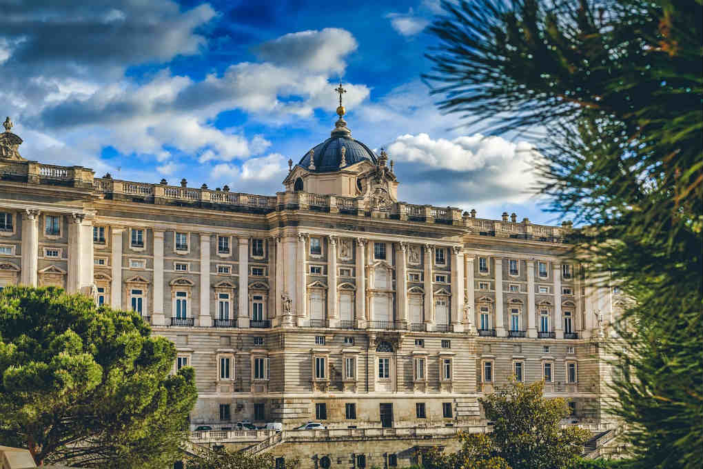 Royal Palace of Madrid exterior